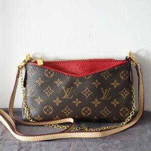 Louis Vuitton 9 x 5 x 2 Red